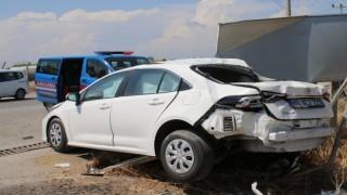 Hatayda akaryakıt tankeri ile otomobil çarpıştı: 2 yaralı