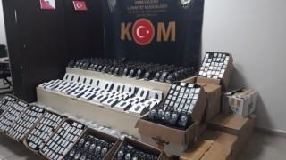 İzmir'de gümrük kaçağı cep telefonu operasyonu