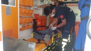 Kalçasına demir parçası batan çocuk yaralandı