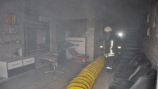 Karamanda bir iş yerinin bodrum katında çıkan yangın korkuttu