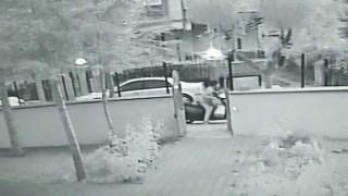 Karamanda motosikletin çalınma anı güvenlik kamerasında