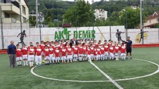 Kaynaşlı Belediyesi futbol okulu açıldı