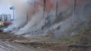 Kırklarelinde çiftlikte çıkan yangının soğutma çalışmaları devam ediyor