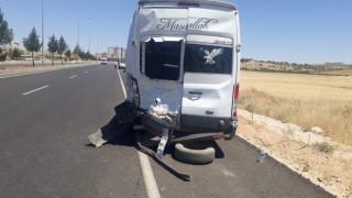 Mardinde pikap öğretmen servisi ile çarpıştı: 7si öğretmen 9 yaralı