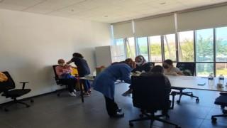 Mobil sağlık ekipleri sanayide aşıda
