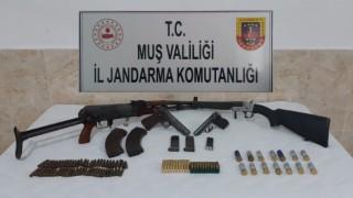 Muşta silah kaçakçılığı: 4 gözaltı