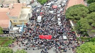Şehit Polisi uğurlayan binler izdihama neden oldu