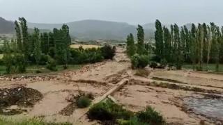 Sel sulama kanallarına zarar verdi