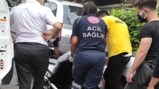 Kontrolünü kaybettiği motosikletiyle yola savrulan kurye yaralandı