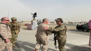 CENTCOM Komutanı McKenzie Kabil Havaalanını ziyaret etti