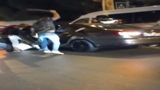 Yolunu kestikleri sürücüye öldüresiye dayak kamerada