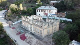 142 yıllık Sarı Mektepte restorasyon çalışmaları devam ediyor