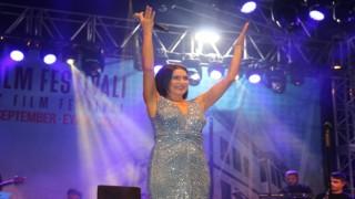 Altın Safran Festivalinde Şevval Sam rüzgarı esti