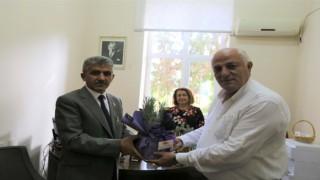 Başkan Ataydan gazilere çiçek