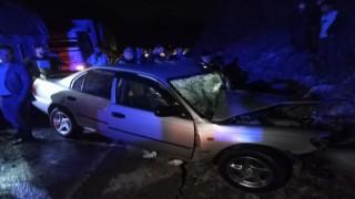 Bitliste tır ile otomobil çarpıştı: 2 yaralı