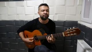 Blok flütle müziğe başlayan torna tesviye işçisi ikinci şarkısını çıkardı