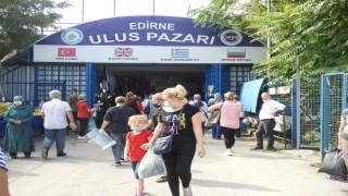 Bulgar ve Yunan turistlerden Edirneye kışlık kıyafet akını, tezgâhları didik didik ettiler