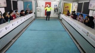 Çocuklara mobil tırda trafik eğitimi