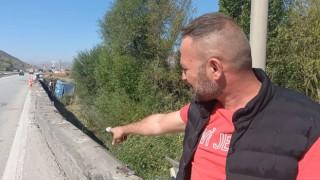 Demir bariyere saplanan kamyon köprüden düştü: Ölümden kıl payı kurtuldum