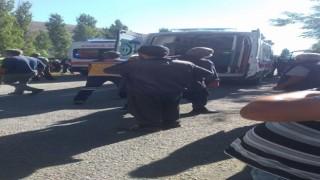 Develide minibüs yoldan çıktı: 3 yaralı