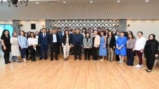 Esenyurt Belediye Başkanı Bozkurt üniversiteyi kazanan gençlerle buluştu