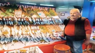 Eskişehirde tezgâhlar balıkla doldu, fiyatlar düştü