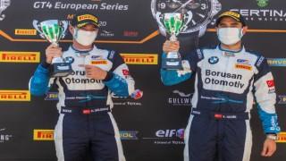 GT4 Avrupa serisinde 2. olan Gedik ve Tansu, Türkiyeye gurur yaşattı