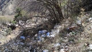 Gümüşhanede Dünya Temizlik Gününde 2 saatte 50 torba dolusu çöp topladılar