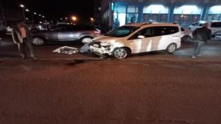 İşlek caddede kontrolden çıkan araç takla attı