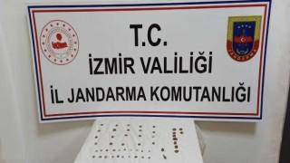 İzmirde jandarma 51 adet tarihi eser ele geçirdi