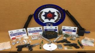 İzmirde uyuşturucu operasyonu: 1 gözaltı