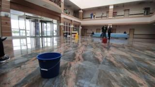 Karsta damlayan üniversite hastanesine kovalı önlem