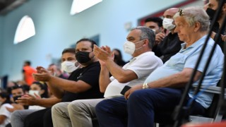 Konyaaltı Belediyesi Kadın Hentbol Takımı, 20 farkla kazandı