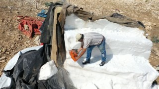 Antalya'da 2 bin 500 rakımlı dağdan karın şehre zorlu yolculuğu