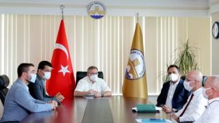 """Rektör Tabakoğlu: """"Biz burada bir aileyiz, çalışanımızı herkesten önce biz düşünürüz"""""""