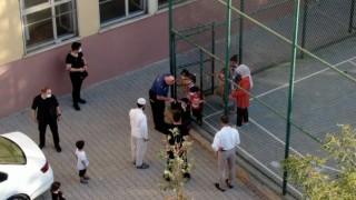 Siirt Emniyet Müdürü Yılmaz, minik öğrencilerle bir araya geldi