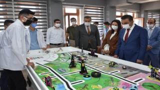 Siirt Valisi Hacıbektaşoğlu, öğrencilerle bir araya geldi