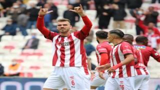 Sivassporda Dimitris Goutas, gollerine devam ediyor