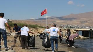 Tatvanda 'Dünya Kıyı Temizliği Günü etkinliği