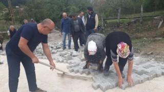 Tokatta köylü kadınlar, kilit parke çalışmalarına katıldı