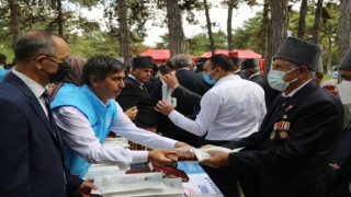 Türkiye Diyanet Vakfından gazilere Kuran-ı Kerim hediyesi