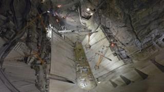 Türkiyenin en büyük barajında çalışmalar gece gündüz devam ediyor