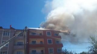 Tuzlucada çatı yangını paniğe neden oldu