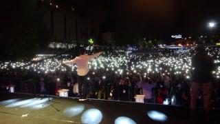 Ünlü şarkıcı Altın Safran Festivalinde hayranlarını coşturdu
