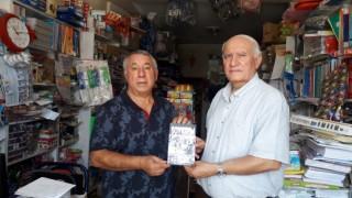 Ünsal, Soykırım kitabını Önala hediye etti