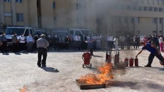 Valilik personeline yangın söndürme eğitimi verildi